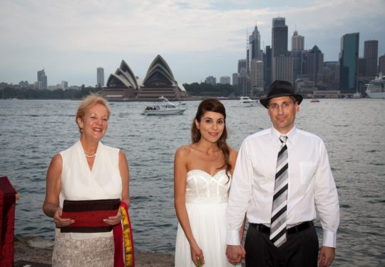 http://www.sydneymarriagecelebrant.com.au/wp-content/uploads/2015/12/Robert-and-Shen-001-2-540x374.jpg