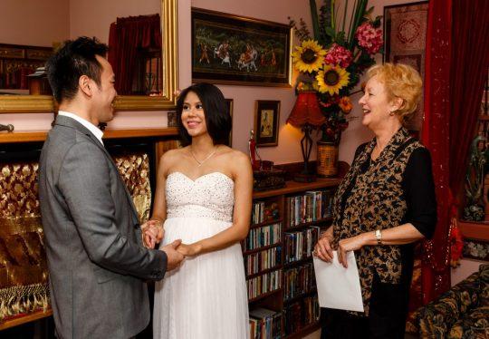 http://www.sydneymarriagecelebrant.com.au/wp-content/uploads/2015/12/WeddingOct2015-007-540x374.jpg