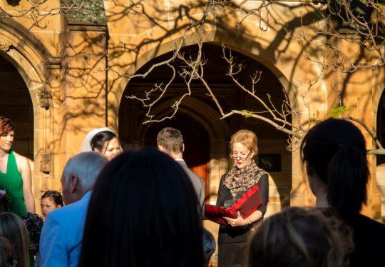 http://www.sydneymarriagecelebrant.com.au/wp-content/uploads/2015/12/WeddingSydUniSept2016_49-540x374.jpg